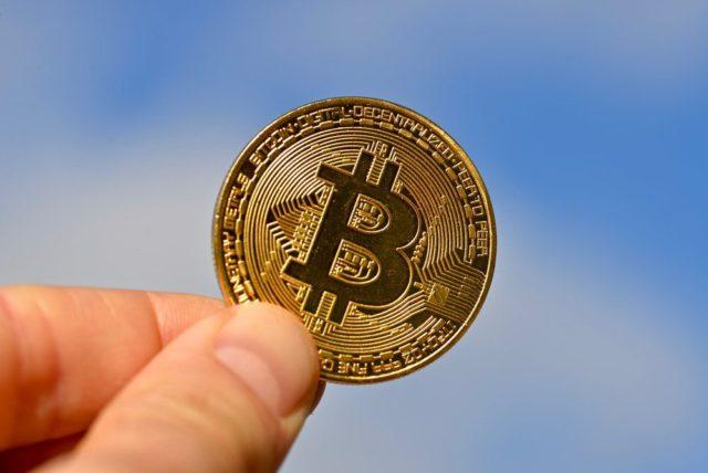 Сколько будет стоить биткоин через десять лет?